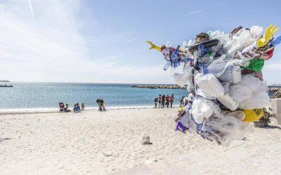 Betiltják az eldobható műanyagok használatát az EU-ban